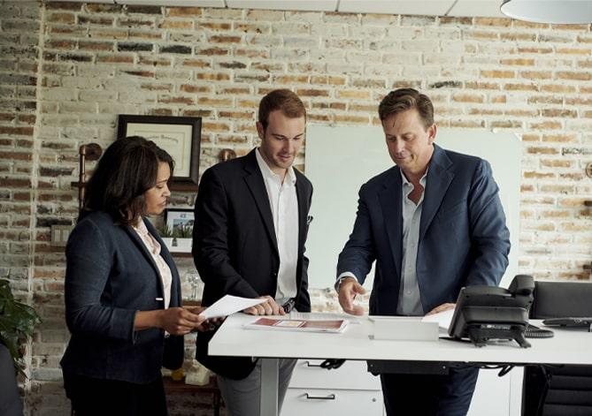 Swisher Employees With John Miller President